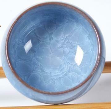 "265007g Пиала ""Колотый лед"" голубая без рыбок, глина"