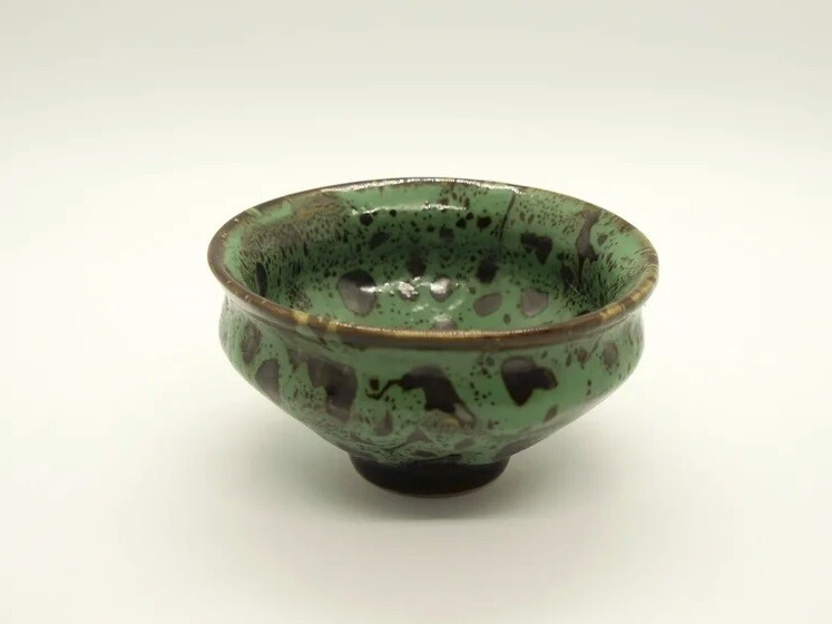 "243043b Пиала ""Весенняя"", 90 мл, цвет - зеленый, керамика, d=8,5 см, h=4см."