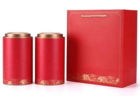 """269035b Подарочный набор """"Море чая"""", картон. 2 банки 12,5 см х 10 см + пакет с ручками. Цвет красный"""
