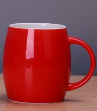 """271032 Кружка """"Бочонок"""" h=10см, l=12,5см, 480мл, керамика глян.красный"""
