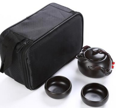 242024 Сервиз Дорожный, фарфор. Цвет черный. 1 чайник 100мл + 2 пиалы 30мл. Сумка в комплекте
