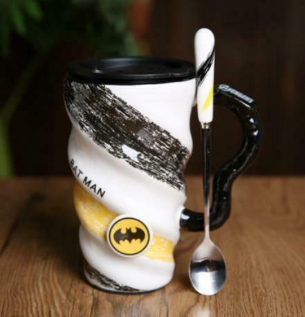 """283005.1  Кружка """"BAT MAN"""" крышка+ложка, h=15см, d=9см, 520мл, керамика/пластик белый/черный"""