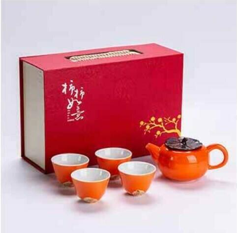 266055 Сервиз ХУРМА в подар.коробке, чайник 180мл + 4 пиалы, фарфор