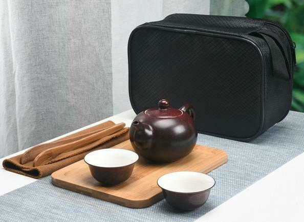 "266062 Сервиз ""Дорожный"" в подар.коробке, чайник 180мл + 3 пиалы+ чб,  фарфор коричн."