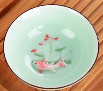 """242080 Пиала """"Рыбка 3Д"""", фарфор. Цвет зеленый, объем 50мл. Диаметр 8.3см, высота 3см"""