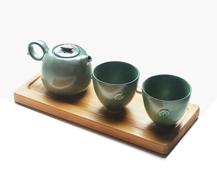 """241043.1 Сервиз """"Тайваньский""""  1 чайник + 2 пиалы+ подставка в подар.коробке, зеленый, фарфор"""