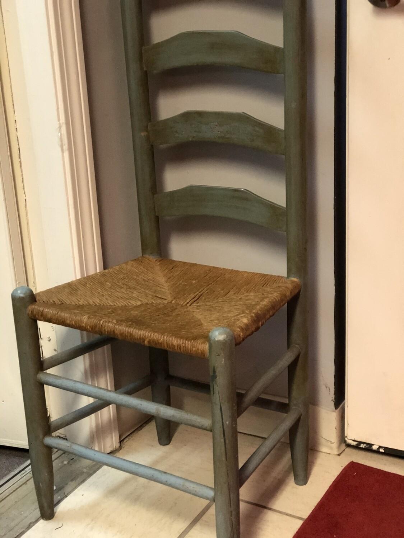 Farmhouse Distressed Sitting Chair