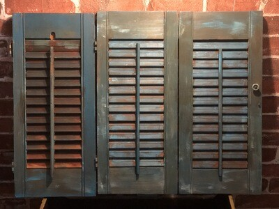 3- Panel Table-Top Room Divider  - Distressed Blue Shutter