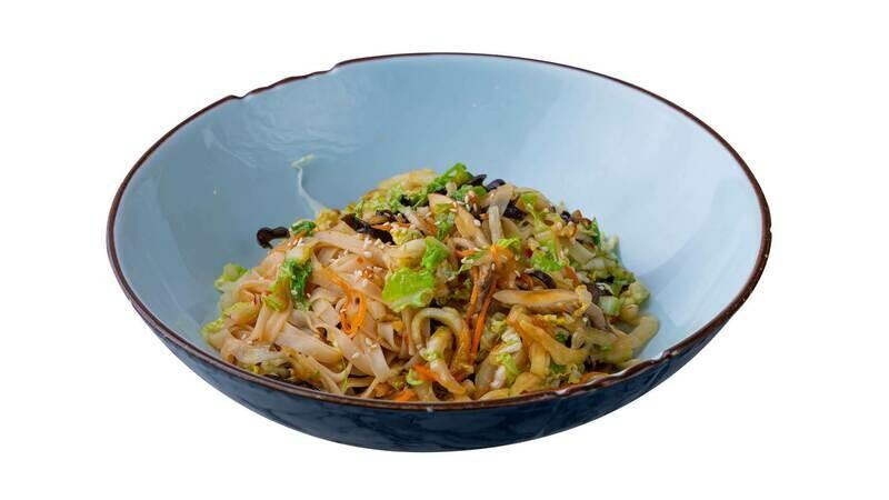 Рисовая лапша с морепродуктами в сладко-остром соусе