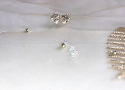 Πλαστικά σκουλαρίκια