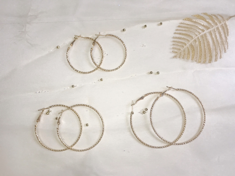Χρυσοί κρίκοι ανάγλυφοι 3 ζευγάρια