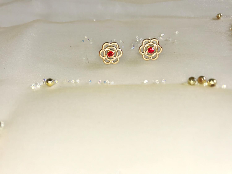 Πλαστικά σκουλαρίκια λουλούδι με στρας