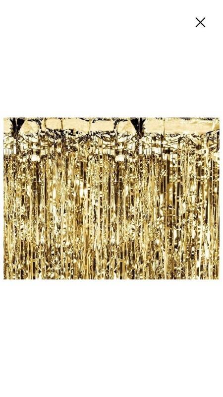Χρυσή διακοσμητική κουρτίνα
