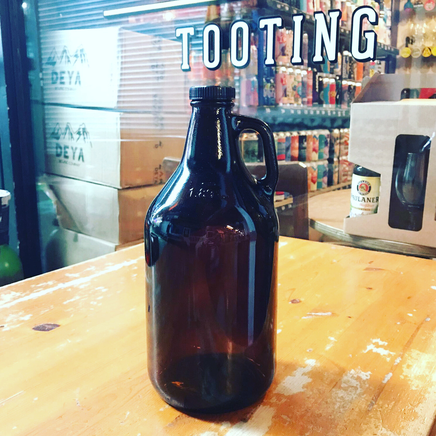 Re-useable 64oz / 3.2 Pint Glass Growler