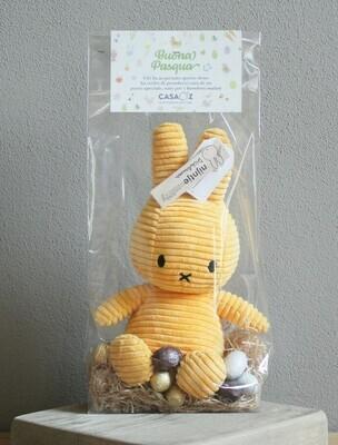 Coniglietto Miffy giallo con mix ovetti Guido Gobino