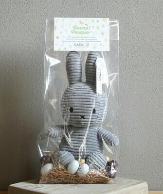Coniglietto Miffy grigio con mix ovetti Guido Gobino