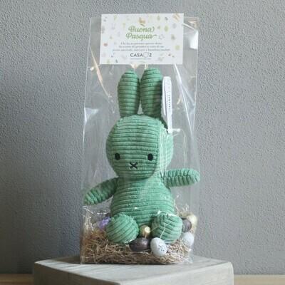 Coniglietto Miffy verde con mix ovetti Guido Gobino