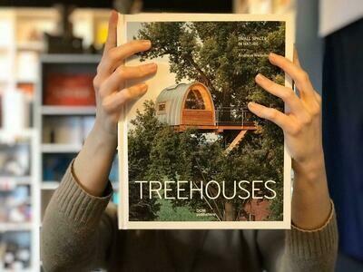 Дома на деревьях (Английский)