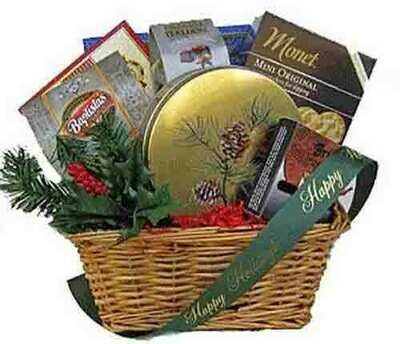 Pine Country Holiday Gift Basket