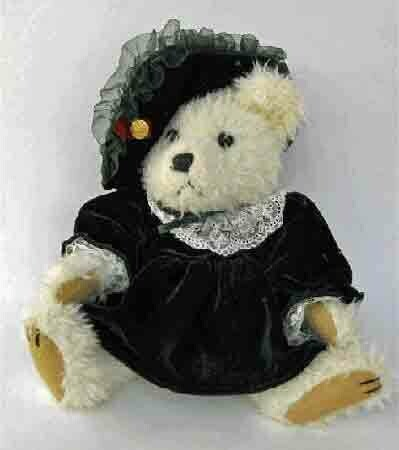 Bianca Bear - Collectable Boyd's Bear - Bear of Love