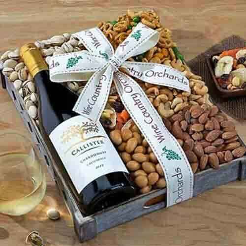 Wine and Nuts Gift Box