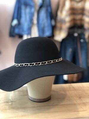 felt hat w/chain
