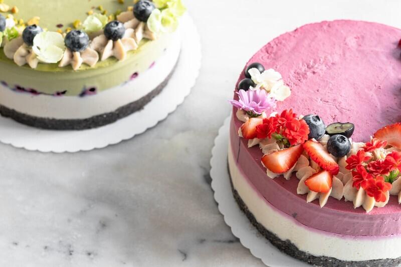 raw vegan Berry-Lemon Cake