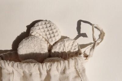 Nyra Design | Mika cotton pads (Set of 7) with cotton bag
