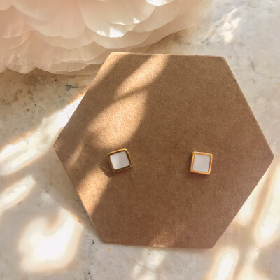 Selva Sauvage | Golden Earstuds White Squares - 14k Gold Plated Sterling Silver