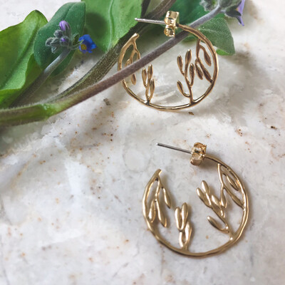 Isa & Roza | Golden Leaf Creolen