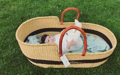 Olá Lindeza | Aztec woven baby moses basket
