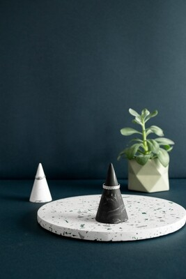 House Raccoon | Kiona Ring Cone (set of 2) - Black Marble