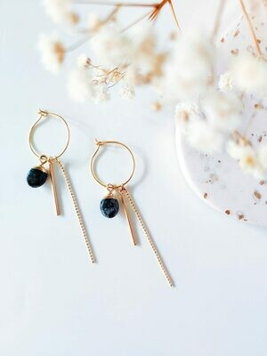 Isa & Roza | Golden Hoop Ear Hangers with black stone