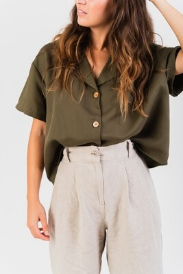 Näz | Oversized shirt lyocell with wooden buttons - Khaki green