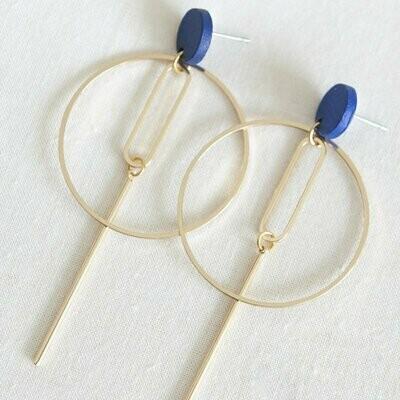 Studio Nok Nok | Royal Blue Ear Studs with golden circle pendant