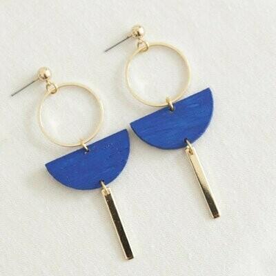 Studio Nok Nok | Golden Earrings with royal blue wooden half moon