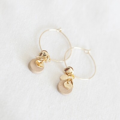 Studio Nok Nok | Golden Hoops with natural wooden and golden flower pendant