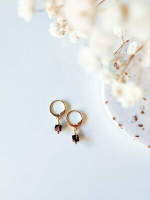 Isa & Roza | Golden mini hoops with natural black mauve stone