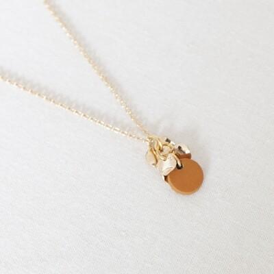 Studio Nok Nok | Golden Necklace with Caramel Wood and Gold Flower Pendant