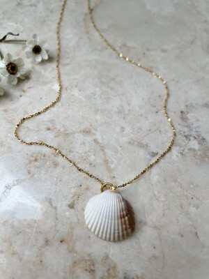 Olá Lindeza  | Ericeira necklace with Portuguese Shell (24k gold-plated sterling silver)