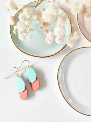 Isa & Roza | Spring Hexagon Earhangers - blue red/orange