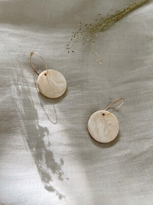 Olá Lindeza  | Jackie golden hoops with clay pendant