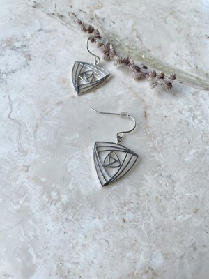 Isa & Roza | Silver Reuleaux Earrings