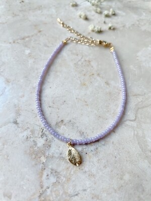 Isa & Roza | Lilac pearls bracelet with golden feather