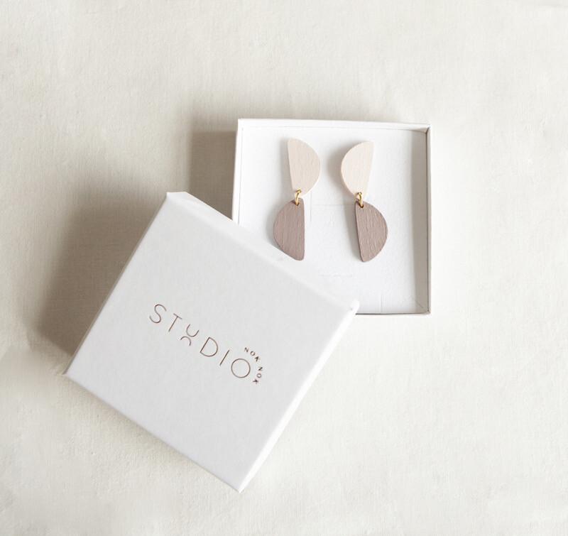 Studio Nok Nok   Pastel mauve and nude wooden earrings