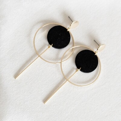 Studio Nok Nok | Black and gold circle earrings