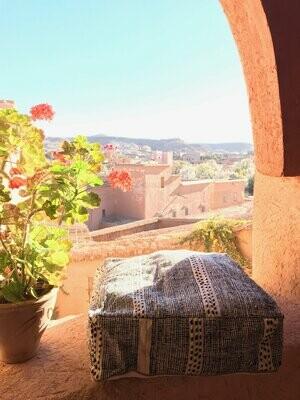 Olá Lindeza | Flatweave Kilim Berber Pouf - Floor Pillow