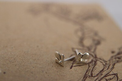 Caitlin Rose | Handcrafted silver small leaf ear studs - 925 sterling silver