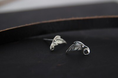 Caitlin Rose | Handcrafted Leaf shape ear studs - 925 sterling silver