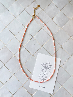 Isa & Roza   Pearls necklace - peach white